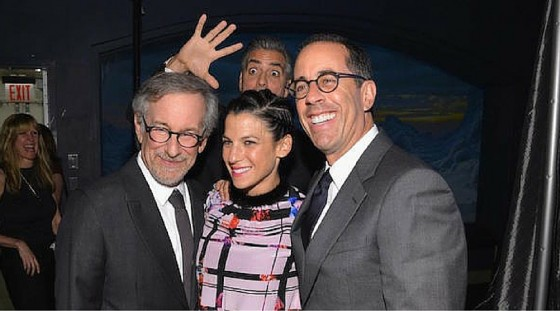 When Celebrities Are Seen As Photobombs (10 Photos)